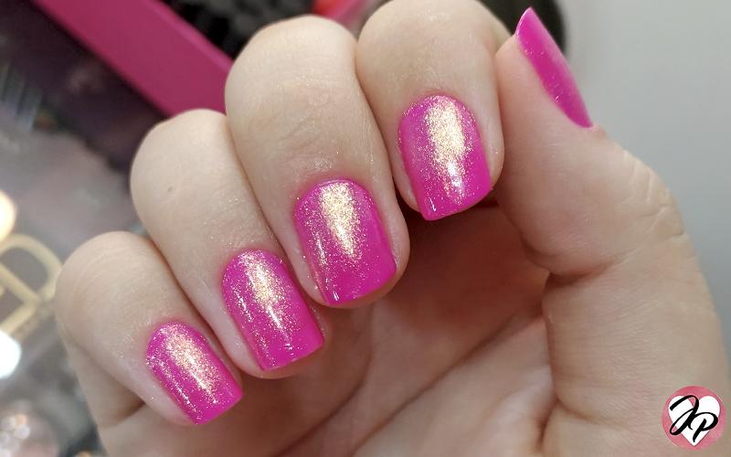 esmalte rosa com dourado